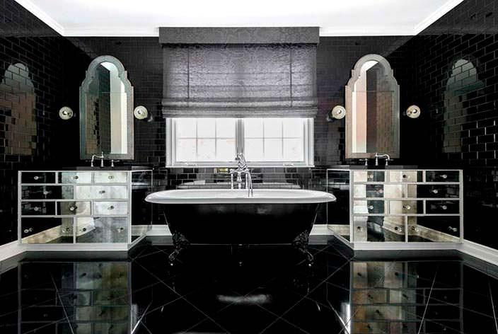 Фото | Ванная комната в черно-белом цвете дома Кайли Дженнер