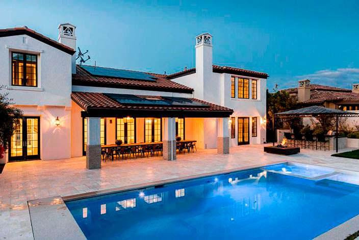 Фото | Дом с бассейном в Калифорнии модели Кайли Дженнер