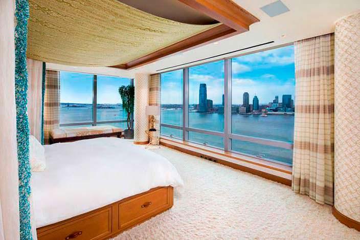 Фото | Спальня с панорамным видом на Гудзон