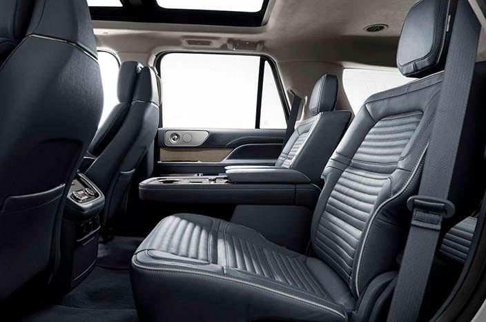 Фото | Задние сиденья Lincoln Navigator 2018