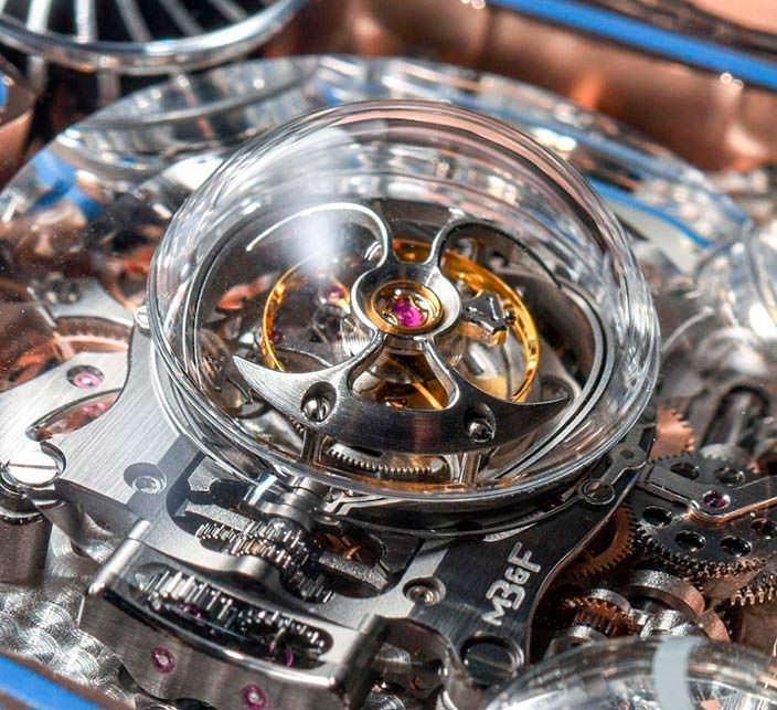 Фото | Турбийон в часах MB&F HM6 Sapphire Vision