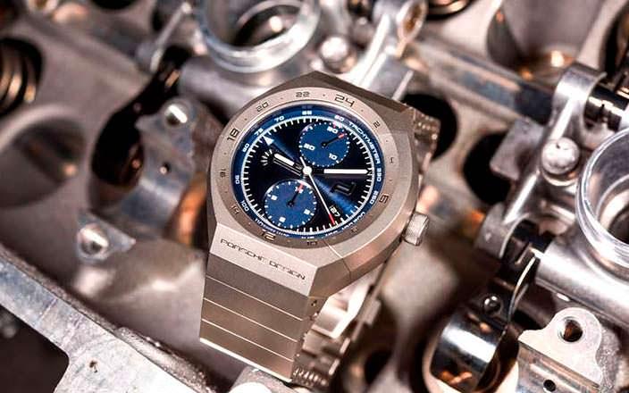 Часы Porsche Design Monobloc Actuator Chronograph и двигатель Porsche 911 RSR
