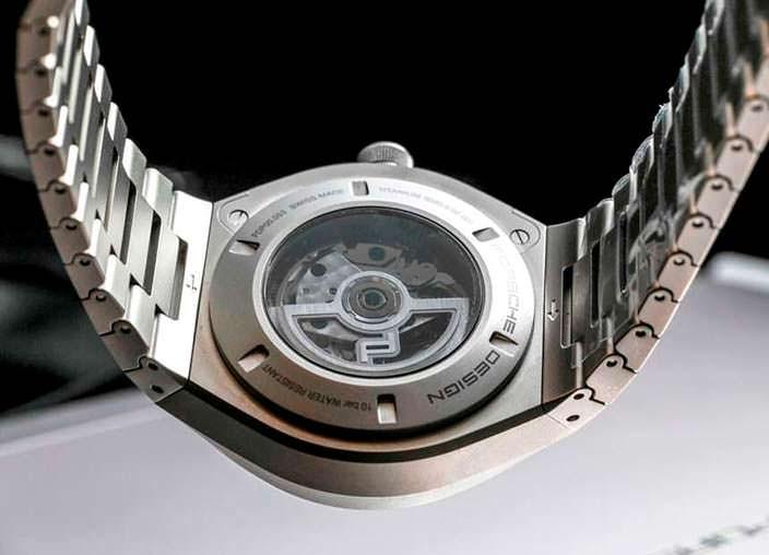 Monoblock Actuator: часы с прозрачной задней крышкой