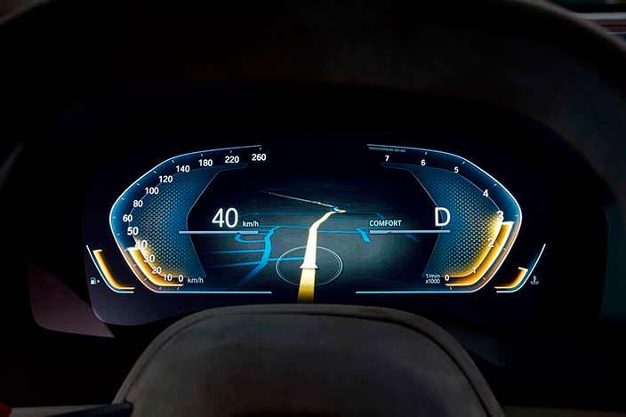 Цифровая приборная панель BMW 8-Series Coupe 2017 года
