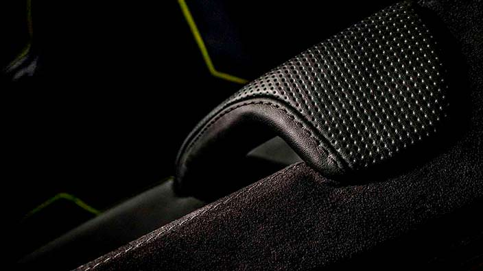 Дизайн дверной ручки Brabus G500 4x4² от Carlex Design