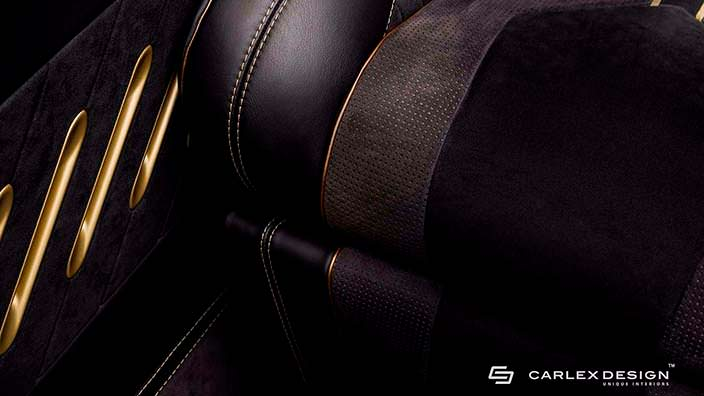 Обивка сидений из черной кожи и серой алькантары от Carlex
