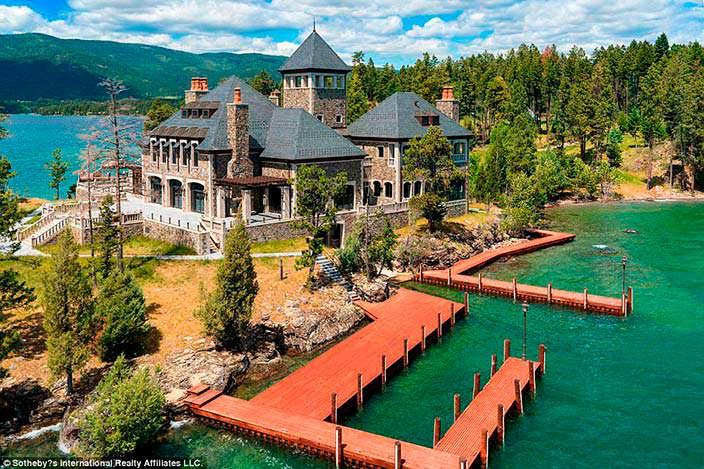 Фото | Островной дом с причалом в Монтане