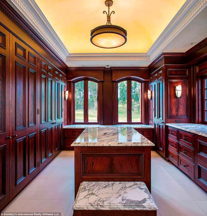 Фото | Дизайн гардеробной комнаты усадьбы на острове Шэтлэр