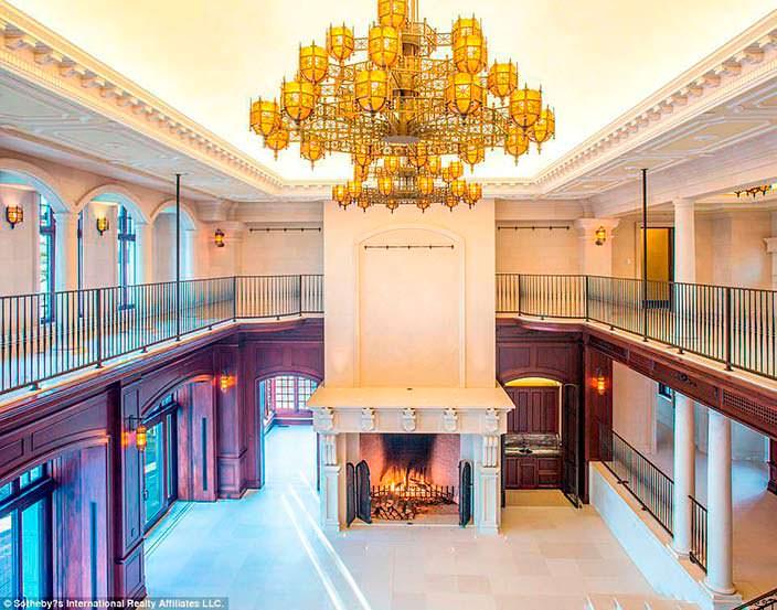 Фото | Дизайн комнаты с гигантским камином