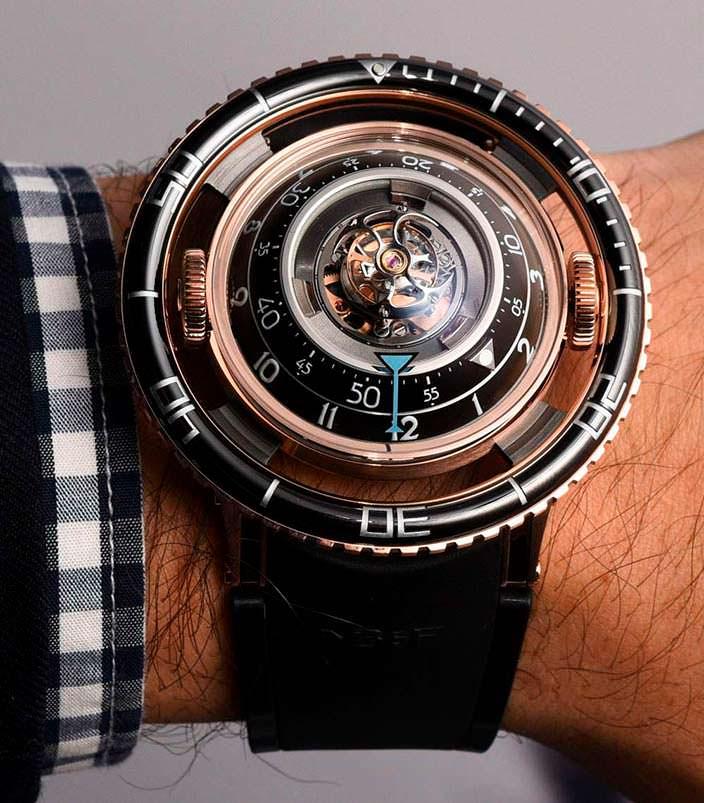 Золотые часы MB&F HM7 Aquapod