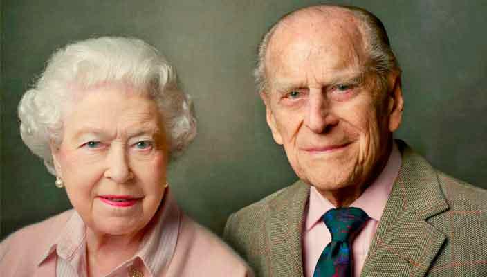 Принц Филипп, муж Елизаветы II уходит на пенсию в 96 лет