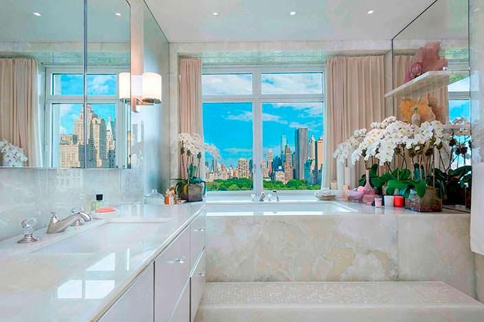 Гранитный дизайн ванной комнаты в пентхаусе Стинга