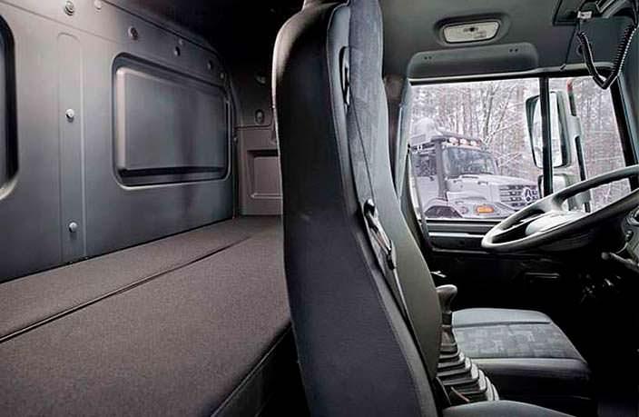 Водительская кабина Mercedes-Benz Zetros 6x6