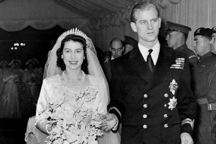 Фото в молодости | Елизавета II с мужем, принцем Филиппом