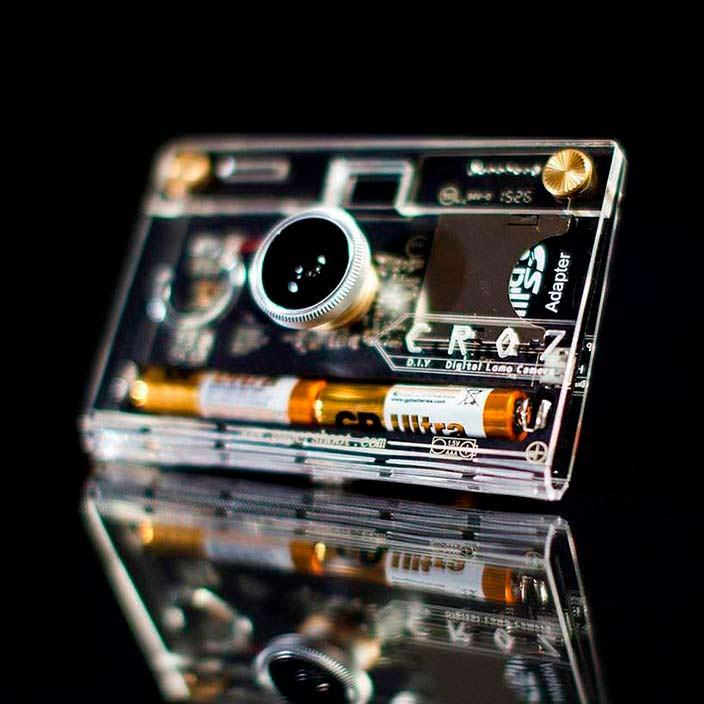 Прозрачный фотоаппарат CROZ от Paper Work