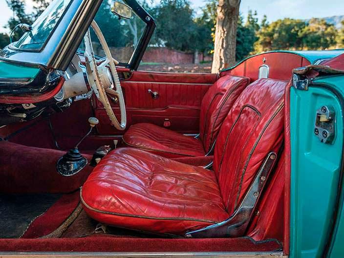 Красный салон BMW 507