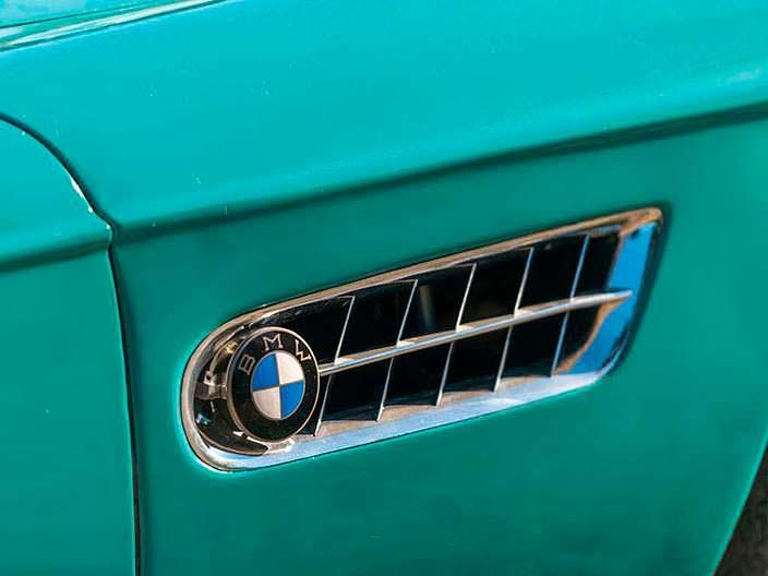 Охлаждение двигателя BMW 507 в крыльях