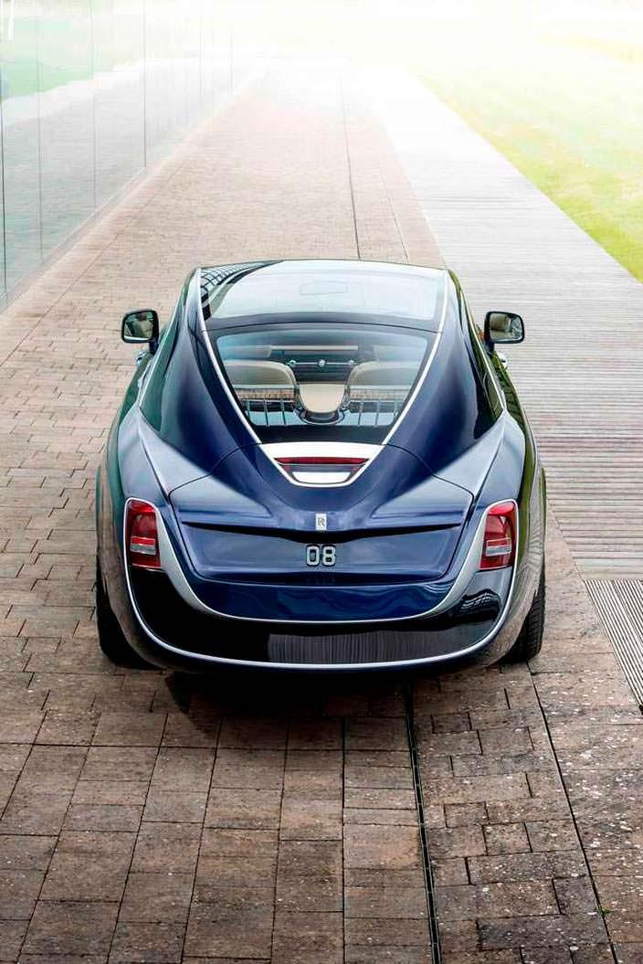 Самый дорогой новый автомобиль Роллс-Ройс в истории
