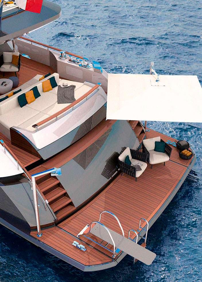 Платформа для купания в корме яхты Couach 3700 Sport