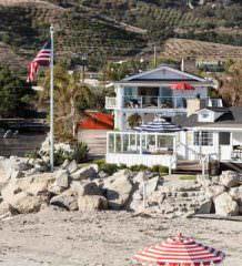 Мила Кунис и Эштон Кутчер купили дом в Санта-Барбаре | фото