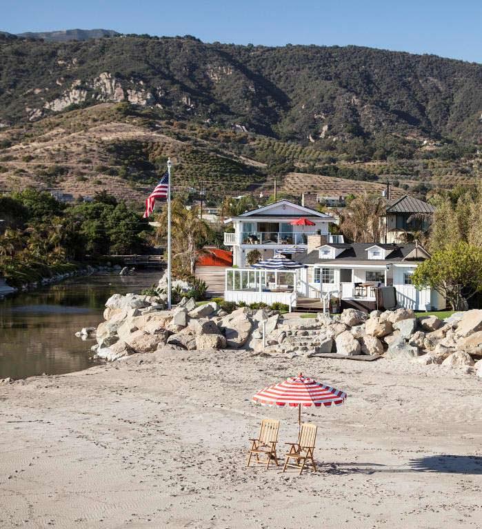 Дом Милы Кунис и Эштона Кутчера с частным пляжем