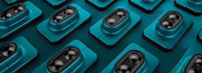 Компактная камера с двумя поворотными объективами Dual