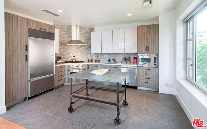 Дизайн кухни в квартире Кендалл Дженнер
