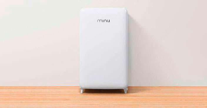 Компактный ретро-холодильник Xiaomi Mini J Retro на 121 литр