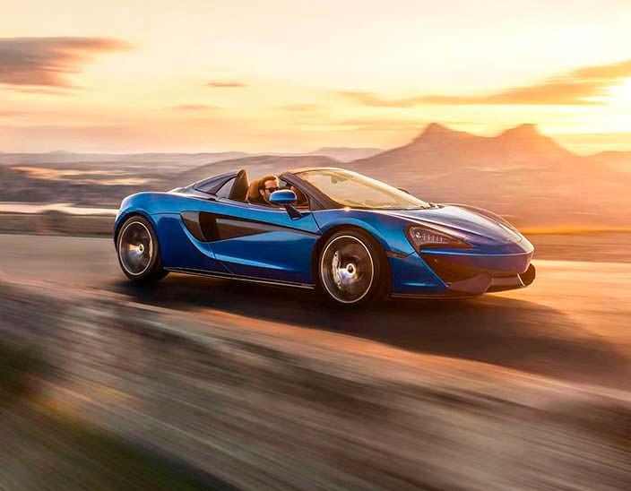 McLaren 570S Spider в движении