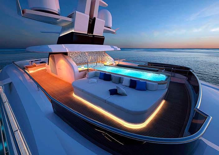 Гидромассажная ванная с водопадом на борту яхты Columbus