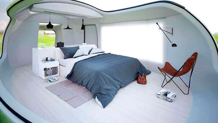 Светлый дизайн спальни в кемпере Camping Pod от Anomaly