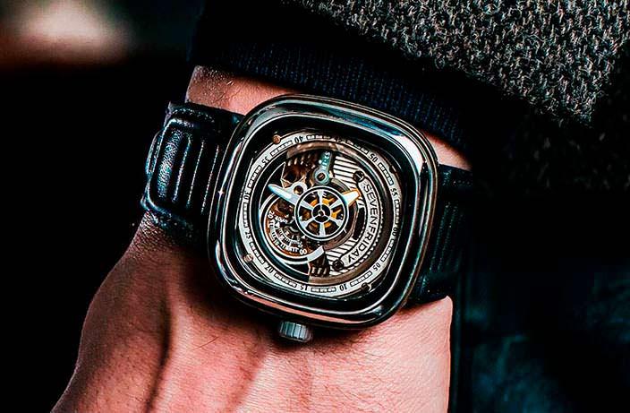 Швейцарские часы из нержавеющей стали SevenFriday S2/01
