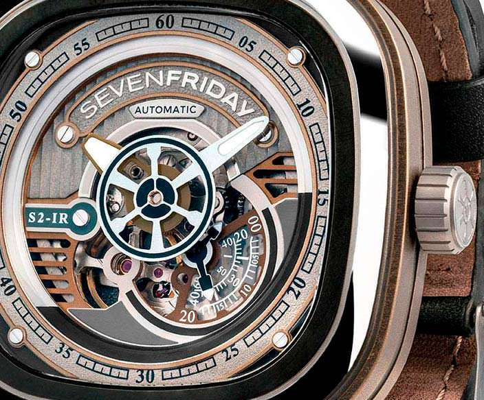 Швейцарские часы с PVD-покрытием SevenFriday S2/01