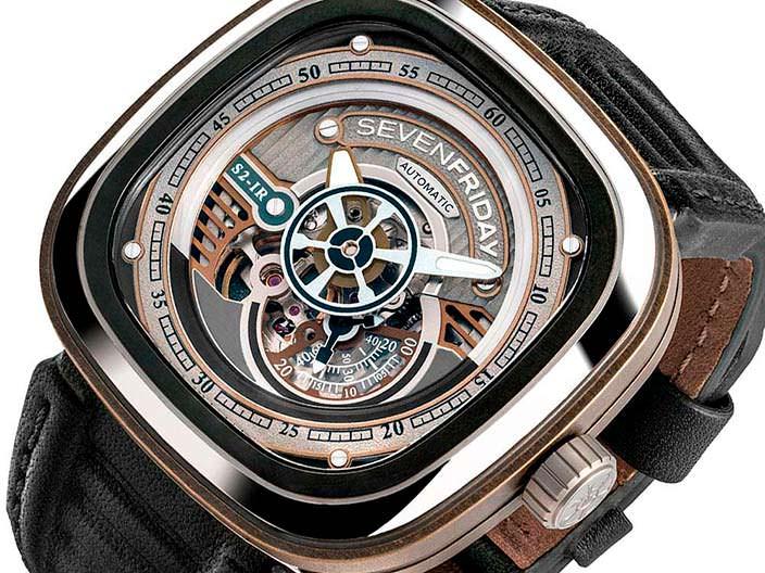 Швейцарские часы SevenFriday S2/01 с минеральным стеклом
