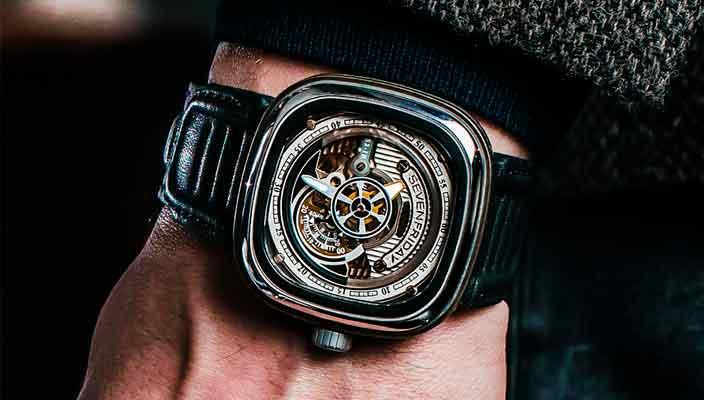 Швейцарские часы SevenFriday S2/01 для повседневного ношения