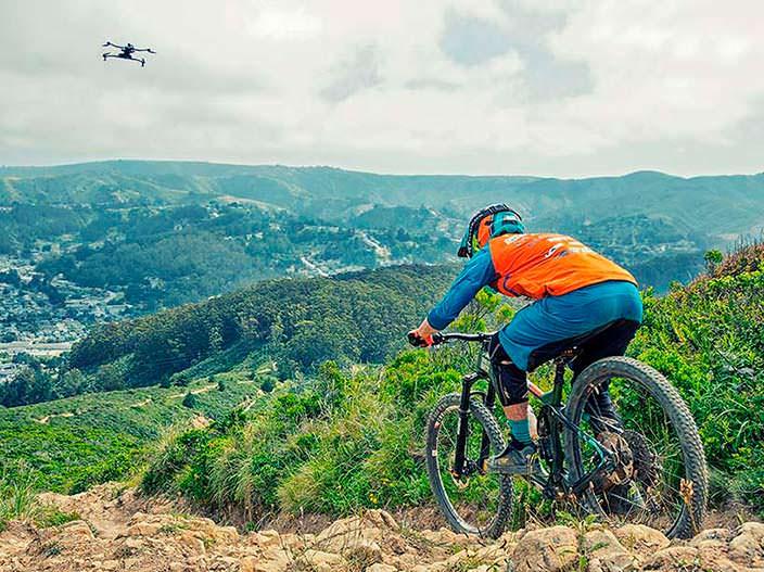 AirDog ADII: дрон с экшн-камерой для селфи-видео