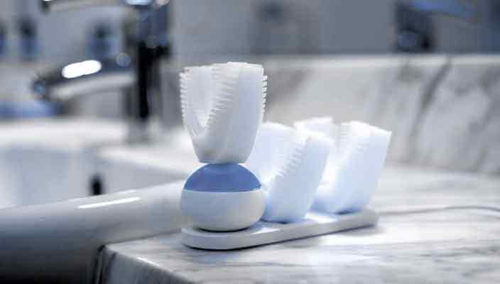 Новая зубная щетка почистит все зубы во рту за 10 секунд