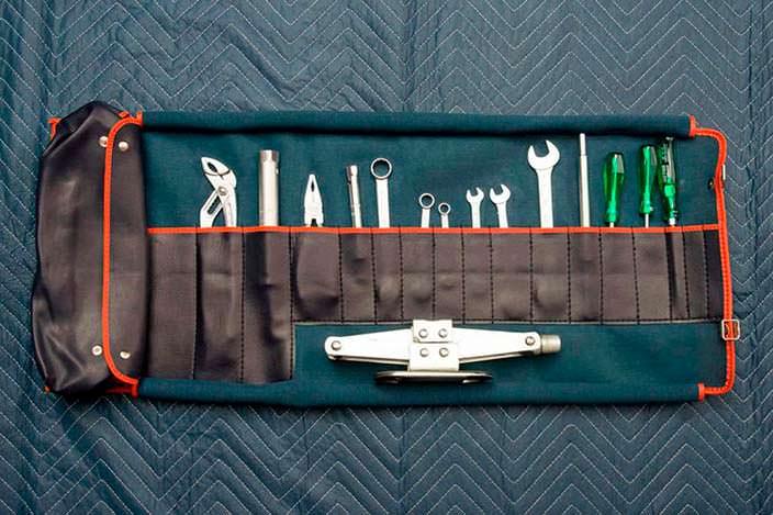 Оригинальный набор инструментов BMW M1 1980 года
