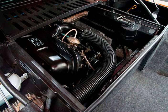Мотор V6 суперкара BMW M1 1980 года выпуска