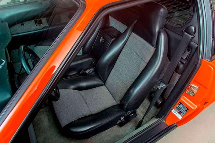 Кожаные сиденья с боковой поддержкой BMW M1