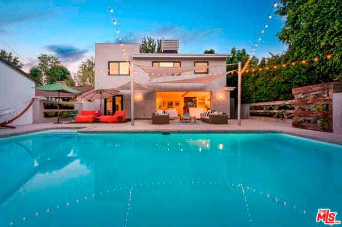 Дом с бассейном актрисы Лены Хеди в Калифорнии