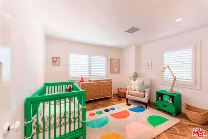 Светлый дизайн детской комнаты в доме Лены Хеди