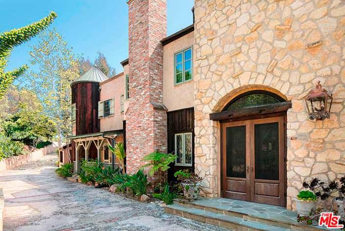 Отделка фасада дома Мела Гибсона каменной и кирпичной кладкой