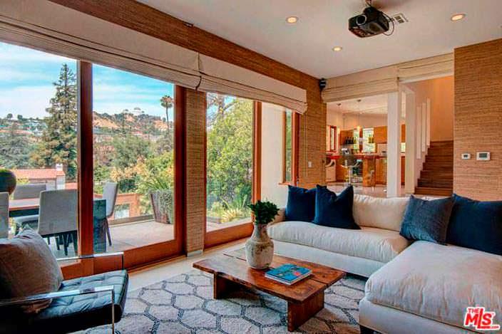 Панорамный вид из окон дома Наташи Бедингфилд