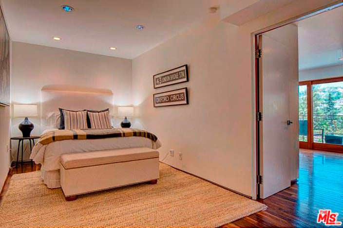 Уютная спальня в доме Наташи Бедингфилд