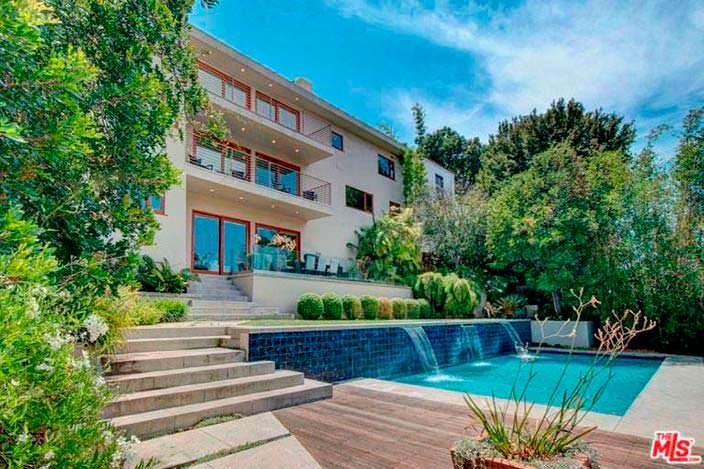 Дом в Лос Фелис поп-певицы Наташи Бедингфилд