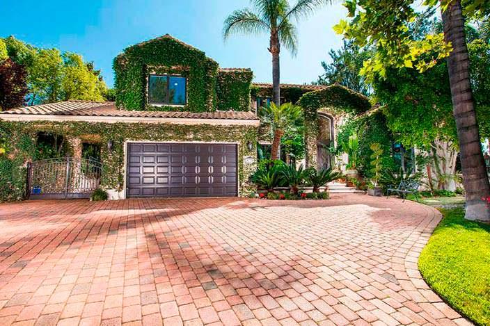 Дом Тупака Шакура в Лос-Анджелесе, Калифорния