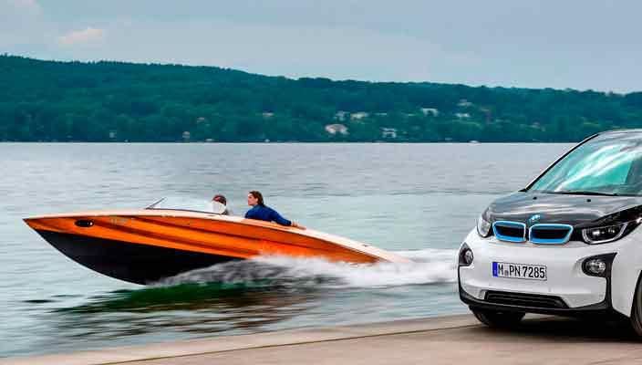 Torqeedo построила электрический катер с батареями от BMW i3