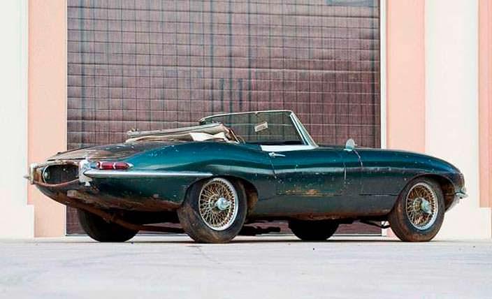 Jaguar E-Type Roadster оригинального темно-зеленого цвета