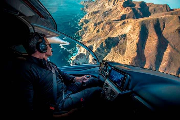 Управление самолетом-амфибией ICON A5